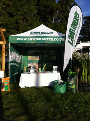 Lawn Master lawn care expert stand